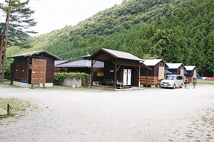 松林・山上川オートキャンプ場外装