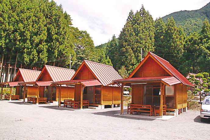 西の谷ふれあいの森 キャンプ場外装